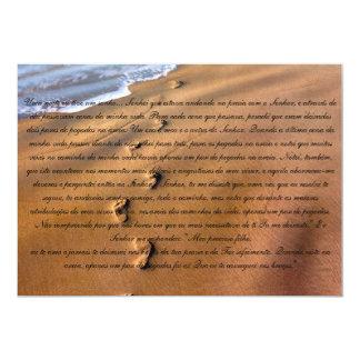 Na Areia de Oração Pegadas Invitación 12,7 X 17,8 Cm