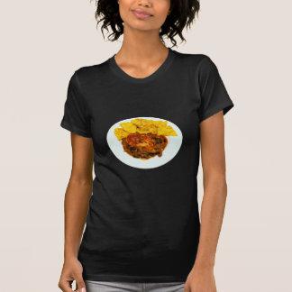Nachos del queso de los chiles del pollo y de la camisetas