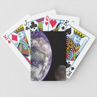 Naipes de la tierra y de la luna del planeta cartas de juego