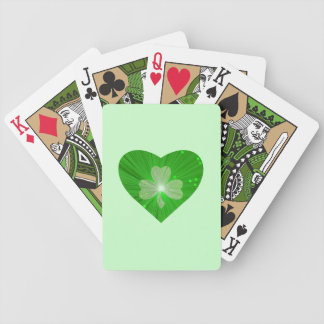 Naipes del verde del corazón del trébol barajas
