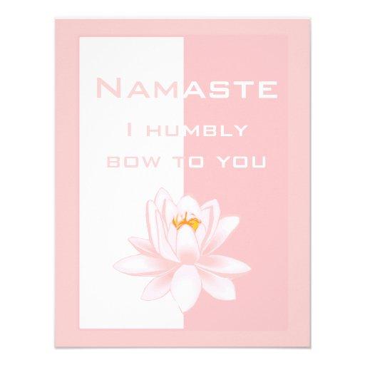 Namaste - arqueo humildemente a usted (el rosa) invitación