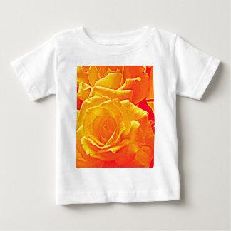 naranja color de rosa fluorescente camisetas