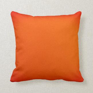 Naranja de la pendiente cojín decorativo