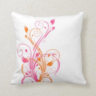 Naranja enorme, rosa, almohada floral blanca de la