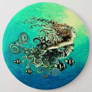 Natación de la sirena con los pescados chapa redonda de 15 cm