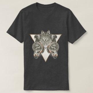 Nativo americano, lobo con la camiseta del cráneo