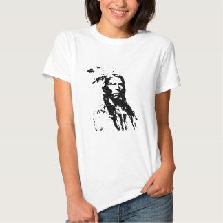 Nativo americano loco del caballo camiseta