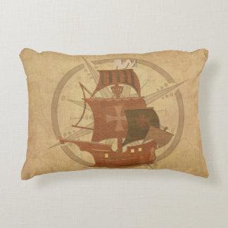 Nave del misterio del pirata cojín decorativo