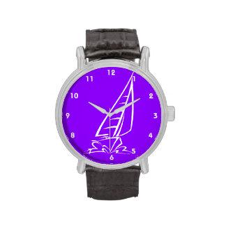 Navegación púrpura violeta reloj de mano
