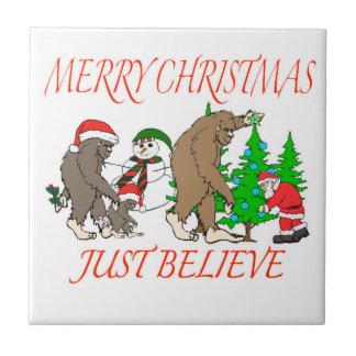 Navidad 2 de la familia de Bigfoot Azulejo De Cerámica