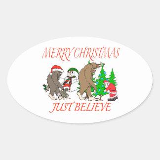 Navidad 2 de la familia de Bigfoot Pegatina Ovalada