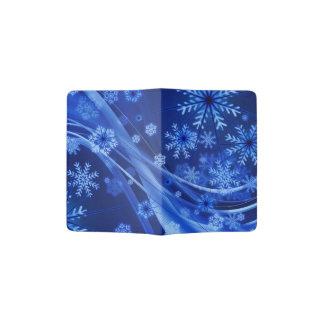 Navidad azul de los copos de nieve del invierno portapasaportes