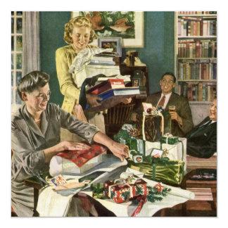 Navidad del vintage, familia que envuelve los invitación 13,3 cm x 13,3cm