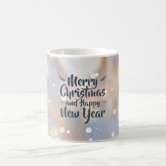 Navidad elegante y taza clásica de la Feliz Año