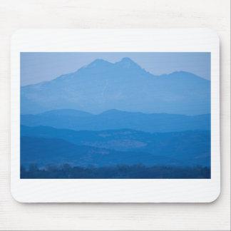 Neblina azul Layers.jpg de los picos gemelos de Alfombrilla De Ratón