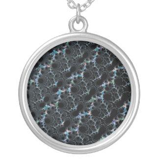Neblina - fractal de Mandelbrot Collar Plateado