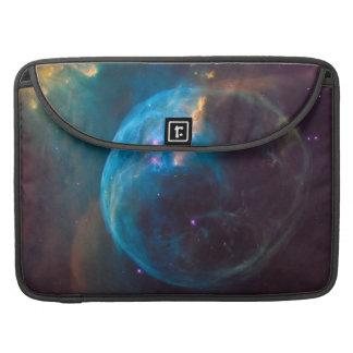 Nebulosa azul cósmica SpaceHD de la burbuja Funda Para MacBook