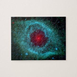 Nebulosa de la hélice, estrellas hermosas en la puzzle