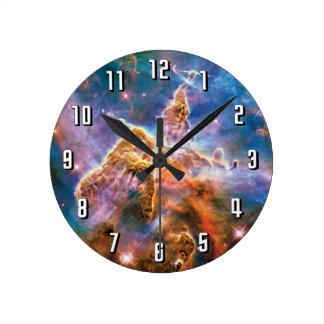 Nebulosa mística de Carina de la montaña Reloj Redondo Mediano