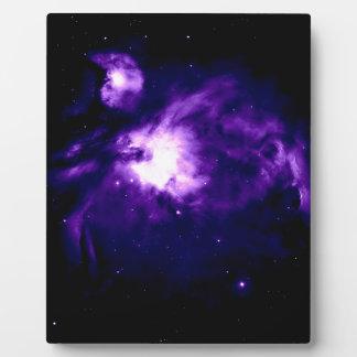 Nebulosa púrpura de Orión: Galaxia Placa Expositora