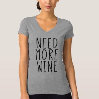 Necesite más camisa del vino