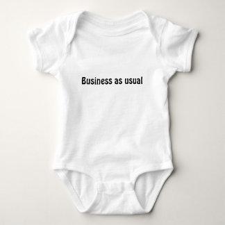 """""""Negocio como"""" camiseta usual del bebé"""