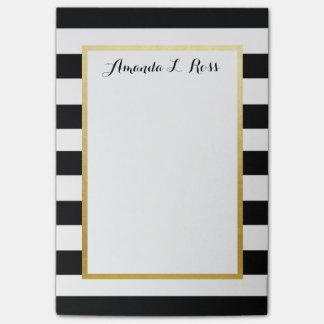 Negro, blanco, el oro rayó el cuaderno de notas