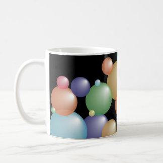 Negro coloreado de las burbujas taza de café
