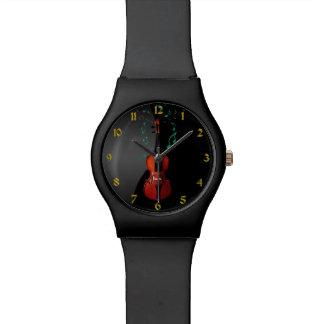 Negro con el reloj de la música del violín