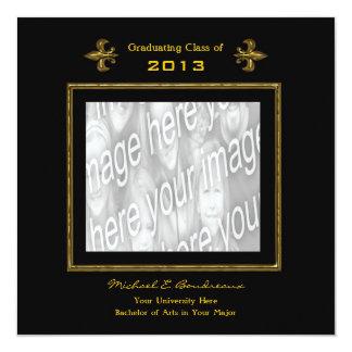 Negro de la foto y graduación de la flor de lis invitación 13,3 cm x 13,3cm