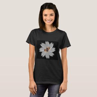 Negro del flower power camiseta