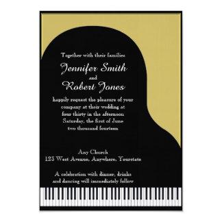 Negro e invitación del boda del piano del oro