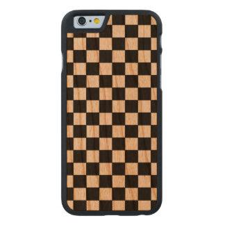 negro-en-madera a cuadros modelada funda de iPhone 6 carved® slim de cerezo