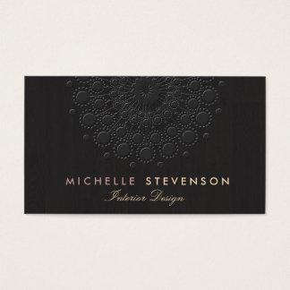 Negro grabado en relieve elegante de la mirada del tarjeta de visita