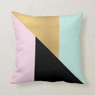 Negro rosado del oro y almohada de tiro moderna