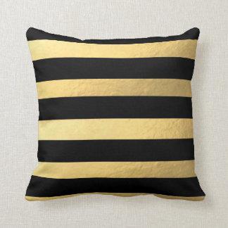 Negro y almohada rayada del oro