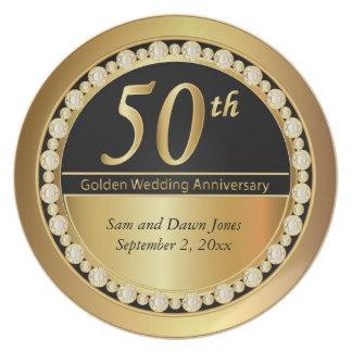 Negro y aniversario de oro del oro 50.o platos para fiestas