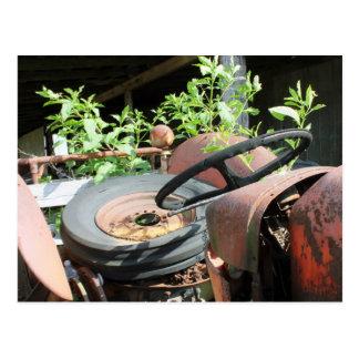 Neumático de repuesto en Seat de un tractor del pe Postales