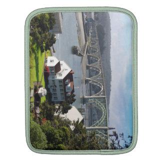 Newport Bayfront, manga del iPad de la costa de Or Funda Para iPad