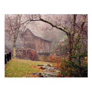 Niebla de la mañana postal