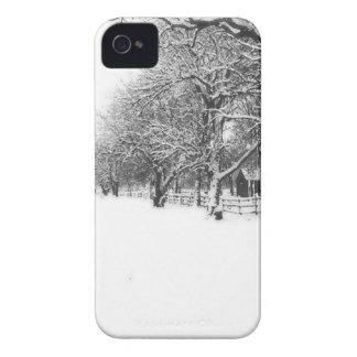 Nieve del invierno en la calle de la conferencia funda para iPhone 4