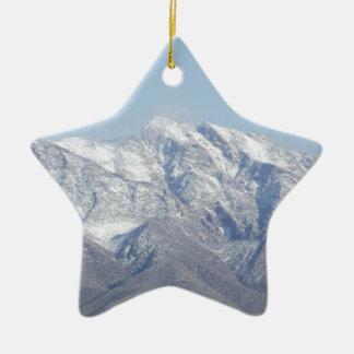 Nieve en las montañas del desierto adorno de cerámica en forma de estrella