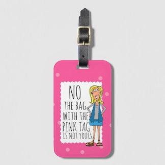 Ningún el bolso con la etiqueta rosada no es el
