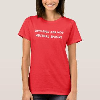 Ninguna camisa neutral de las bibliotecas