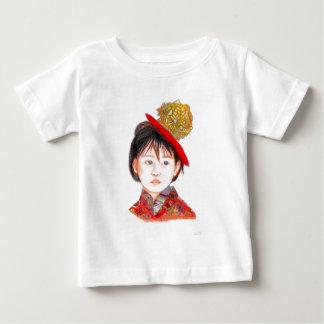 Niño asiático del este camiseta de bebé