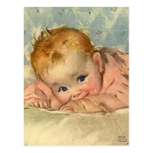 Niño de los niños del vintage, niña linda en la ma postal
