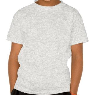 Niño que explora para toda la camiseta