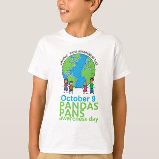 Niños de la camiseta del día de la conciencia de