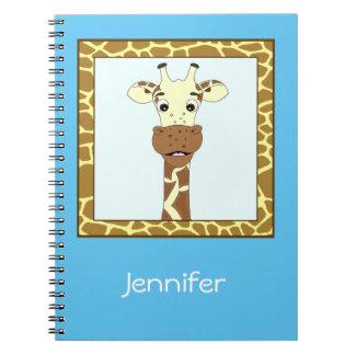 Niños divertidos del dibujo animado de la jirafa libros de apuntes