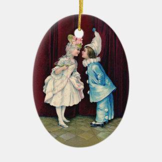 Niños en el décimo octavo ornamento del traje de adorno de navidad
